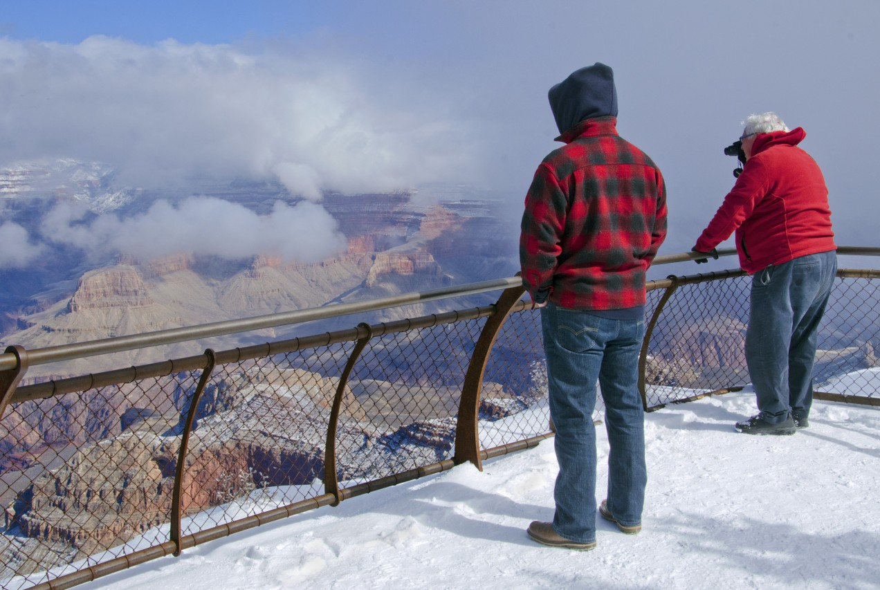 Grand Canyon National Park: Watching Cloud Show from Mather Poin